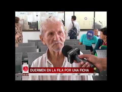 Hombre de 80 años y con diabetes pasa la noche en el hospital por una ficha